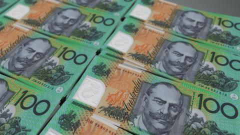 Picture of $100 notes